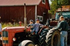 Traktori ja pikkupojat